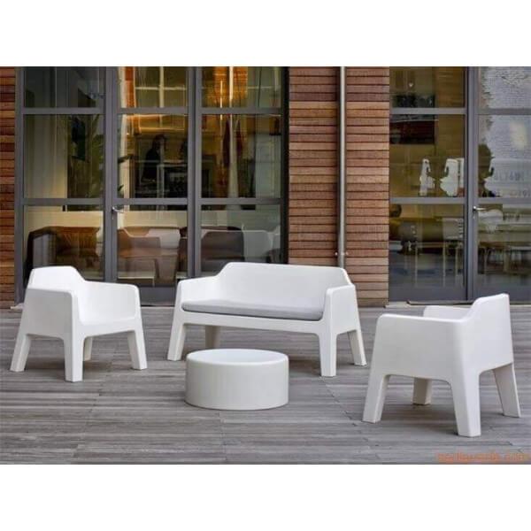 contemporary outside lounge pedrali. Black Bedroom Furniture Sets. Home Design Ideas