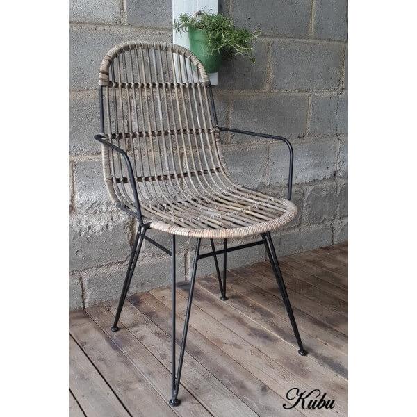 Chaise repas design kubu - Chaise de cuisine avec accoudoir ...