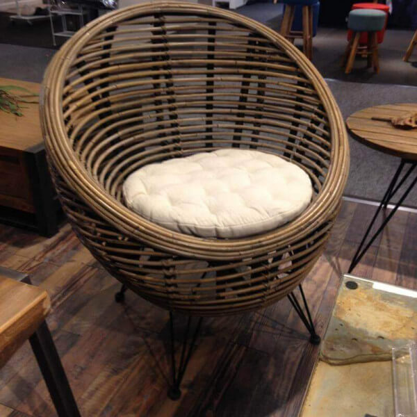 fauteuil design ball rotin. Black Bedroom Furniture Sets. Home Design Ideas