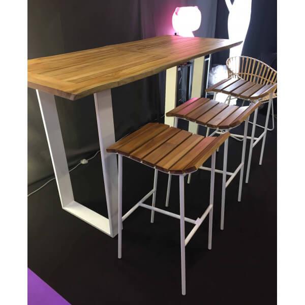 High table set