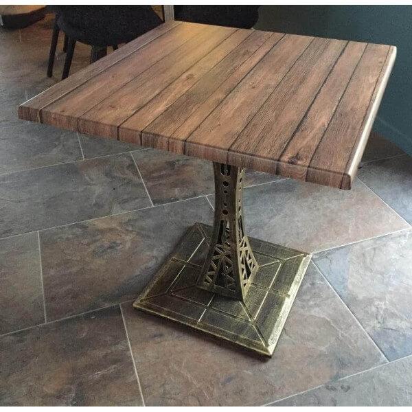 table carrée Eiffel avec plateau aspect bois